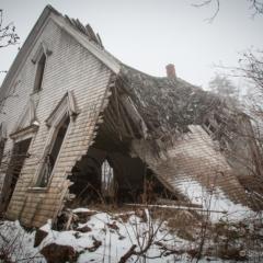 Derelict 2 - Steven Kennard 2012