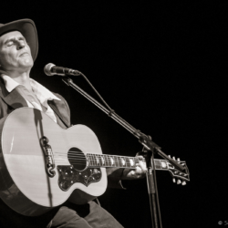 Ron Hynes at the Evergreen Theatre 2009 - Steven Kennard 2015