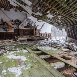 Derelict 3 - Steven Kennard 2012